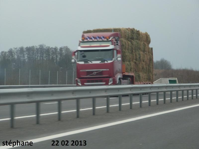 Transports de paille P1080118