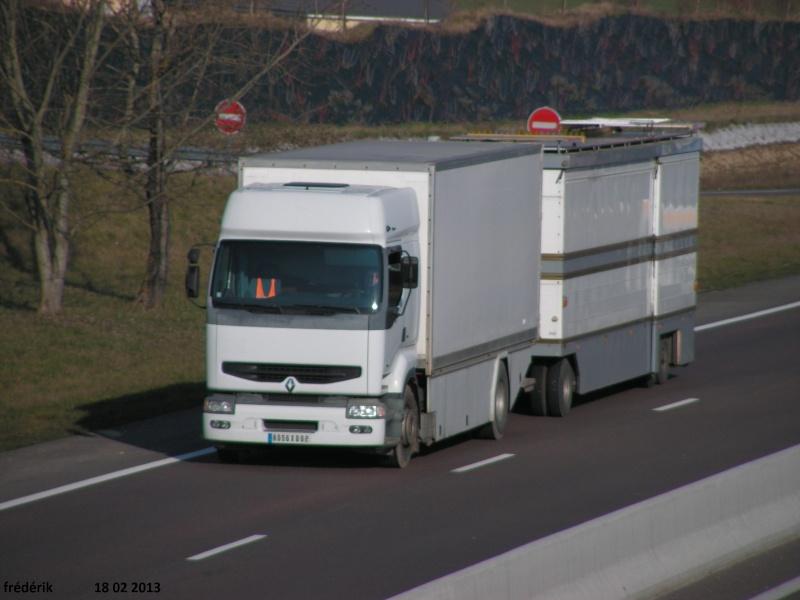 Les Camions des forains - Page 3 Pict0313