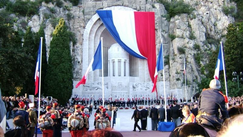 monument* - Les monuments aux morts que vous trouvez magnifiques ou atypiques 20111110