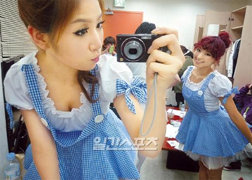 [SISTAR] Soyu shares her personal ninja shots of SISTAR 20110230