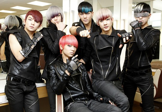 [Teen Top] TEEN TOP on 12-hour rehearsals, their rivalry with INFINITE, and missing school 20110273