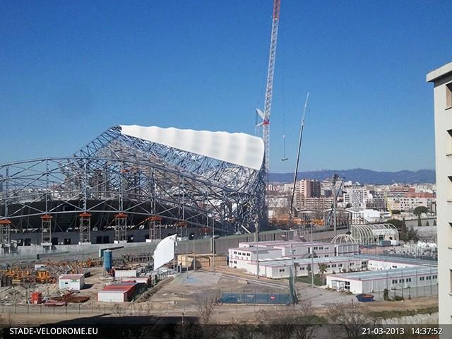 Stade Vélodrome (67,000 places fin estimée Juin 2014) - Page 2 11785410