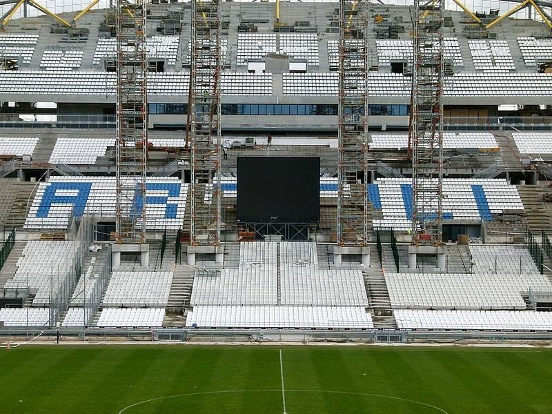 Stade Vélodrome (67,000 places fin estimée Juin 2014) - Page 2 Sans-t10