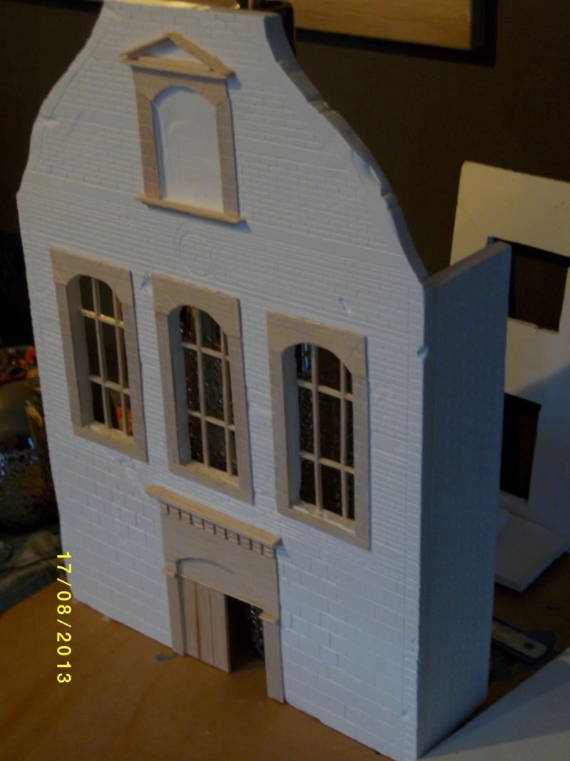 Réquisition des cloches de l'église de Dolhain. Avec un Maultier Mercedes 4500 de Revell 1/35  00310