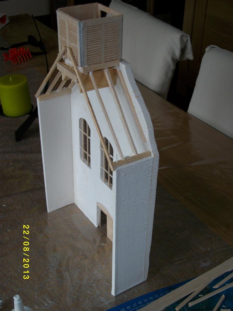 Réquisition des cloches de l'église de Dolhain. Avec un Maultier Mercedes 4500 de Revell 1/35  - Page 2 00411
