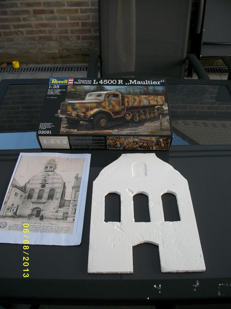 Réquisition des cloches de l'église de Dolhain. Avec un Maultier Mercedes 4500 de Revell 1/35  00610