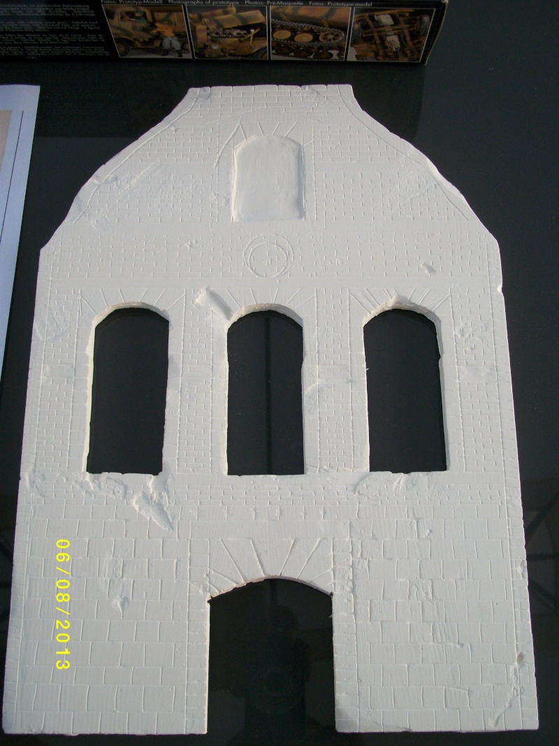 Réquisition des cloches de l'église de Dolhain. Avec un Maultier Mercedes 4500 de Revell 1/35  00710