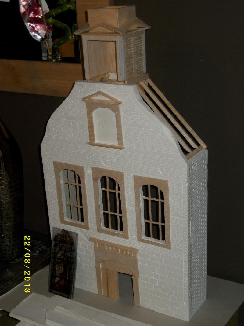 Réquisition des cloches de l'église de Dolhain. Avec un Maultier Mercedes 4500 de Revell 1/35  - Page 2 00711