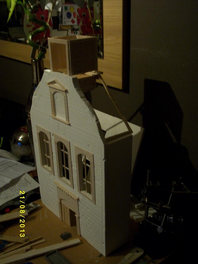 Réquisition des cloches de l'église de Dolhain. Avec un Maultier Mercedes 4500 de Revell 1/35  01310