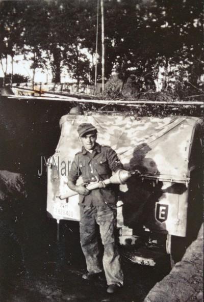 Vos décorations militaires, politiques, civiles allemandes de la ww2 - Page 9 Img_0924