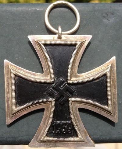Vos décorations militaires, politiques, civiles allemandes de la ww2 - Page 9 Img_0925