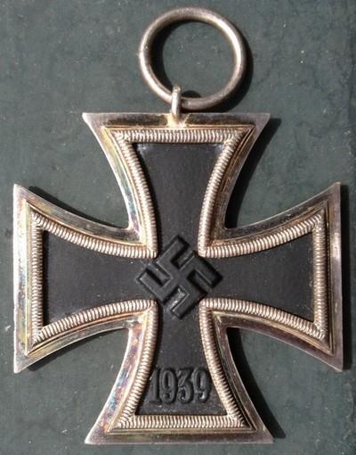 Vos décorations militaires, politiques, civiles allemandes de la ww2 - Page 9 Img_0928