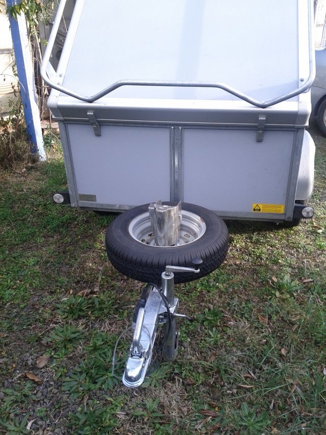 Remorque bagagère avec couvercle Img_0510