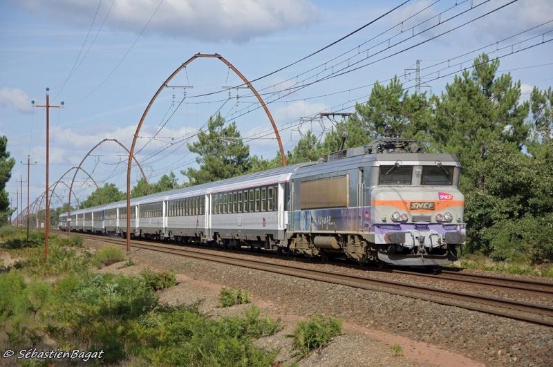 Les pélerins sur la ligne Bordeaux - Dax - Irún _dsc4010