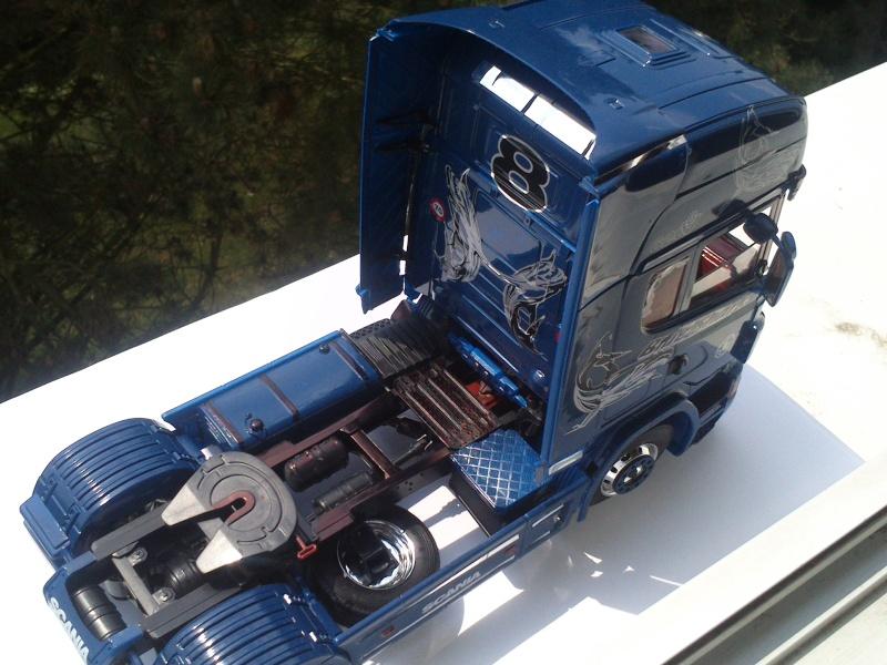 Scania R620 blue-shark  [ ITALERI n°3873 au 1/24° ]  (Modèle terminé) Dsc_0189