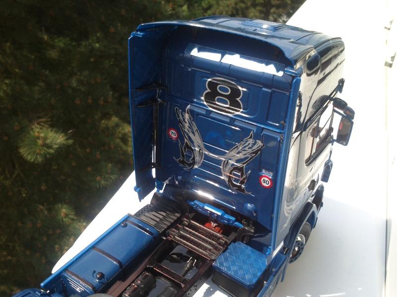 Scania R620 blue-shark  [ ITALERI n°3873 au 1/24° ]  (Modèle terminé) Dsc_0190