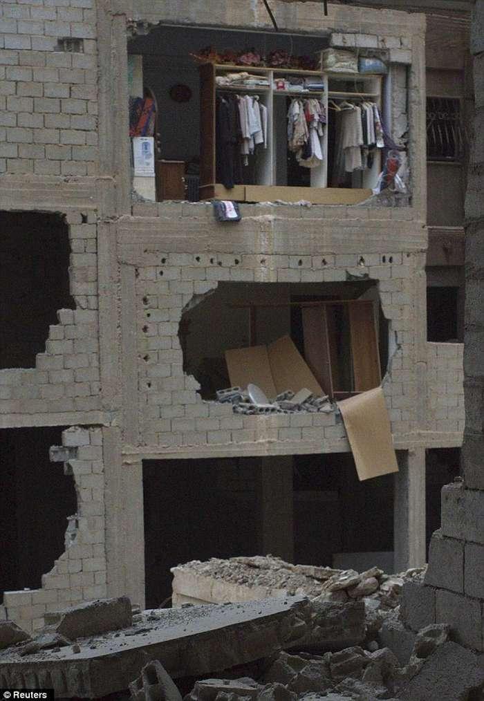 Lufta civile në Siri, pamjet e rralla të shkatërrimit nga bombardimet (FOTO) Siri410