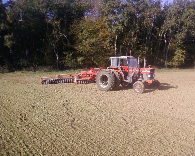 Photos de vos tracteurs - Page 4 Roue_010
