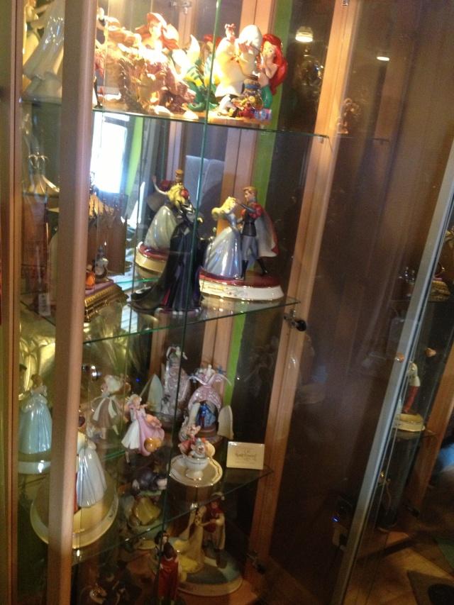 AliceWonderland ma collection :) ma maison :)  Img_1214