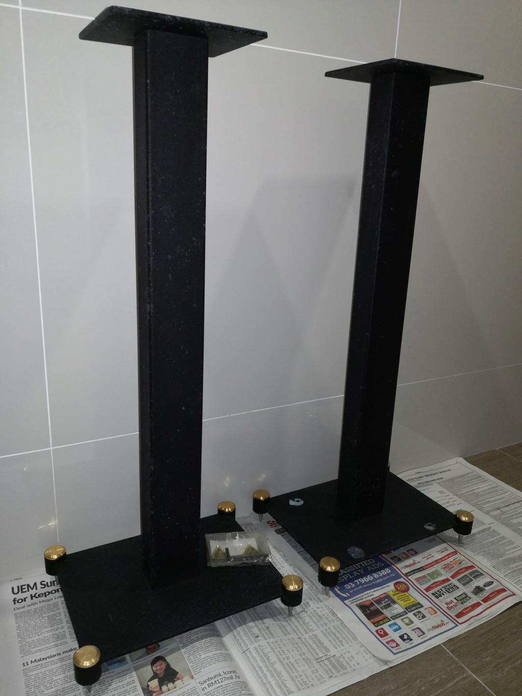 Speaker stand (Sold)  Img_2011
