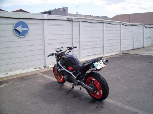 Bandits 400 vistas por ahí... Suzuki13