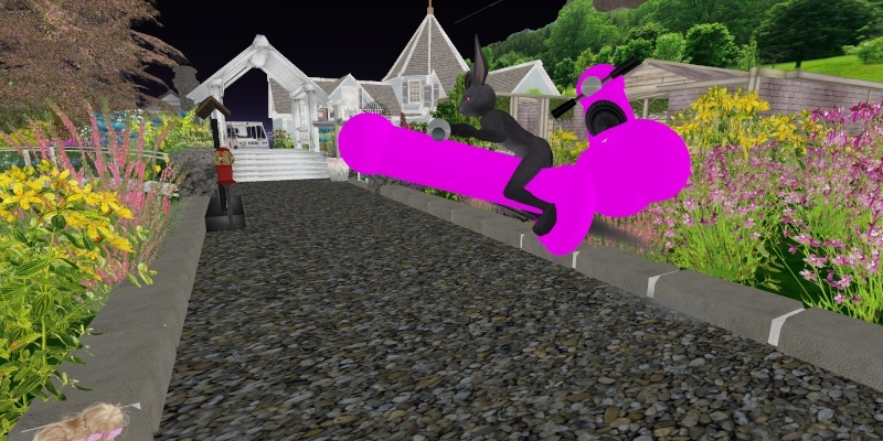 Manty made a toon on Second Life last night... Touchi10