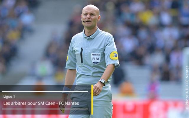 SM Caen - FC Nantes  13ème journée de Ligue 1 - Samedi 8 novembre 2014, 20h - Stade Michel D'Ornano Arbitr10