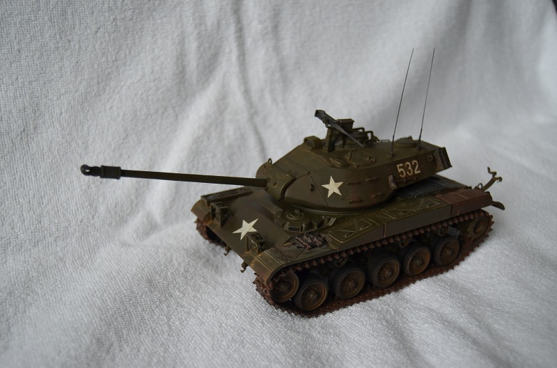 M41 Walker Bulldog (Tamiya 1/35) Véhicule Fini ! - Page 2 Dsc_0010
