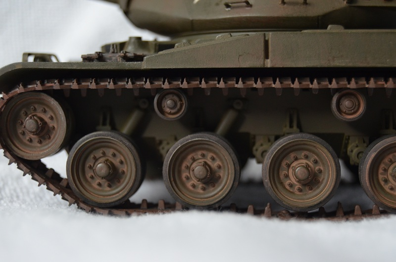 M41 Walker Bulldog (Tamiya 1/35) Véhicule Fini ! - Page 2 Dsc_0011