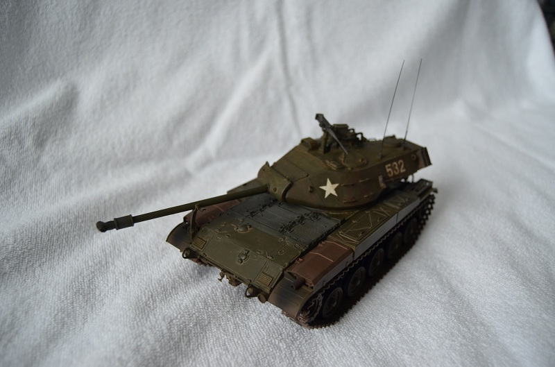 M41 Walker Bulldog (Tamiya 1/35) Véhicule Fini ! - Page 2 Dsc_0020