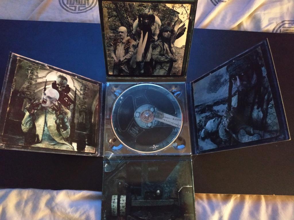 Vous avez des BOX CD ou/et Vinyles Collectors? - Page 2 Dimmu_13
