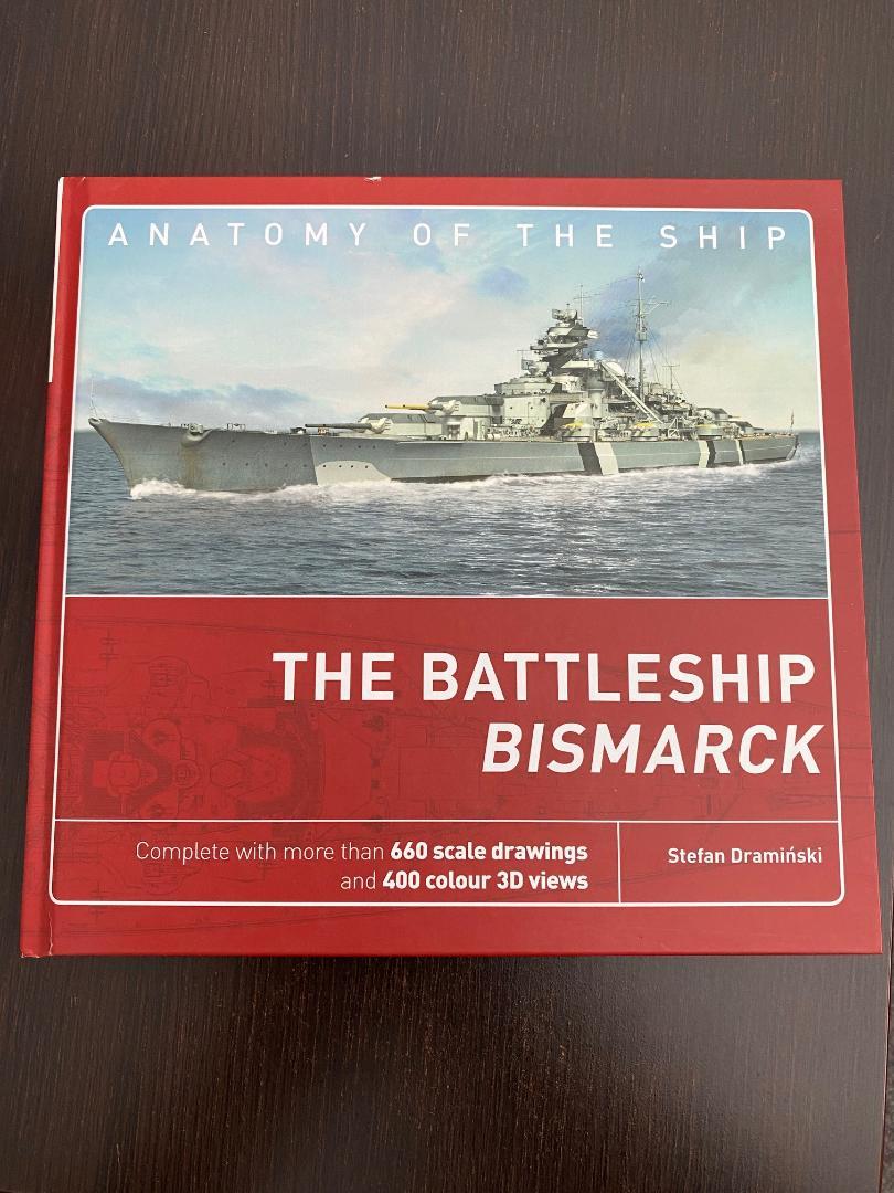 Takom 1:72 Bismarck-Diorama Geschützturm Bruno mit extra Rumpfsegment Buch_010