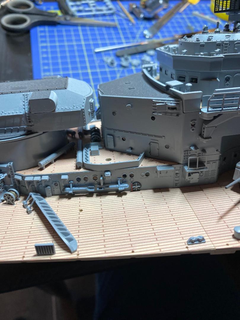 Und noch 'ne Metall-Bismarck - Seite 7 Otter_16