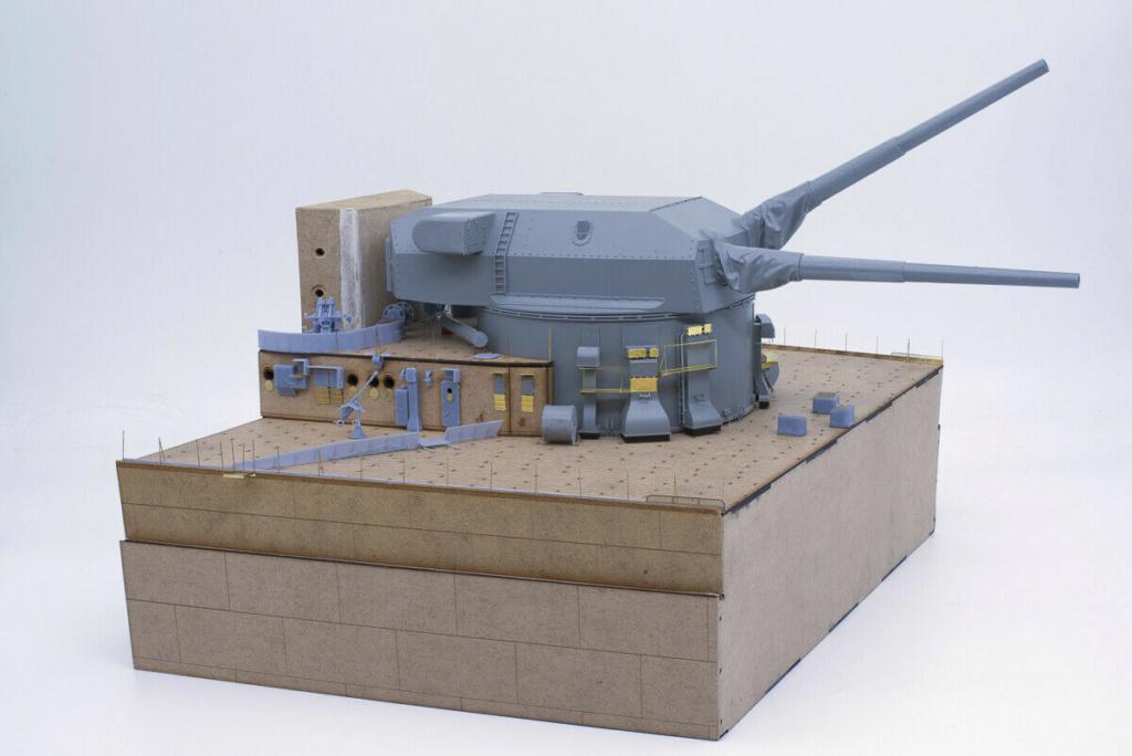 Takom 1:72 Bismarck-Diorama Geschützturm Bruno mit extra Rumpfsegment Segmen12