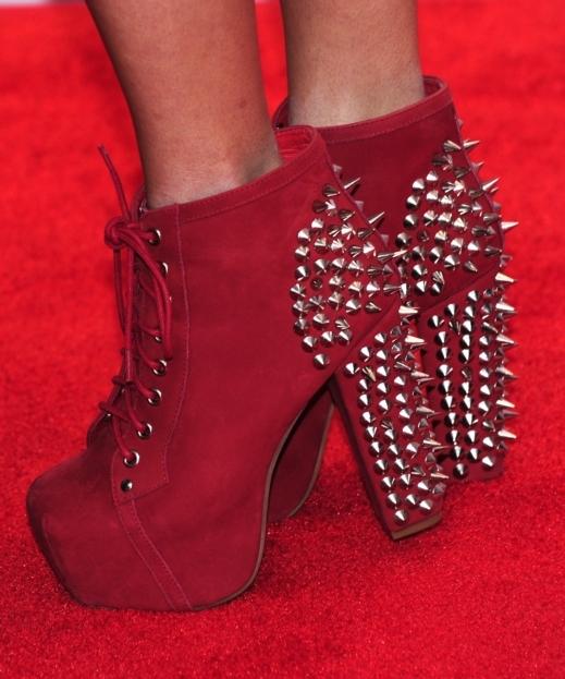 {؛...احذية...؛} للآنــآآقــة عنــوآآن~ 20120917