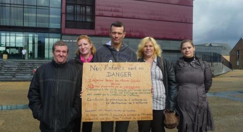 La Marche nationale des familles victimes des placements abusifs d'enfants Avesne10