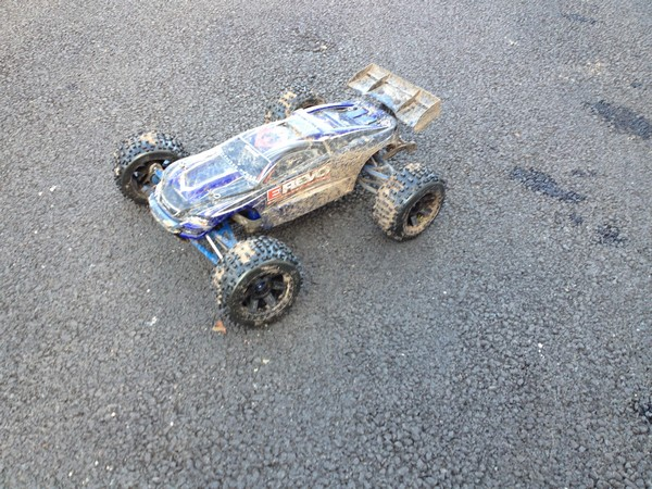 Mon e-revo brushless MMM  - Page 4 Photos10