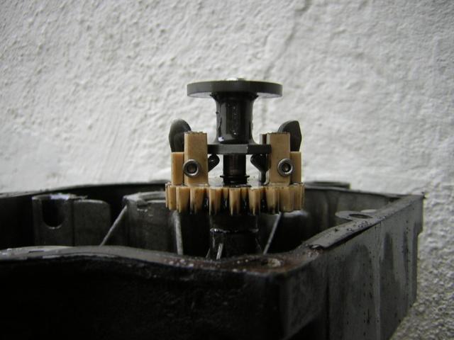 Regolatore centrifugo motori Tecumseh Dscn0326