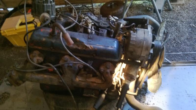 Pourquoi le moteur GM a 2 couleur de peinture rouge et bleu. Regarder ! Wp_20113