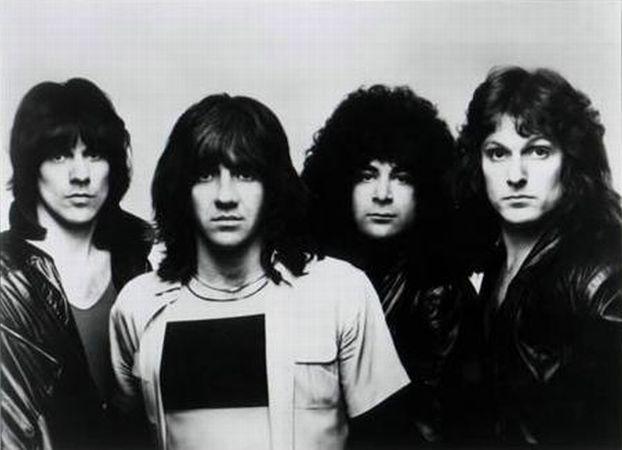 New England 1979 l'album produit par Paul Stanley  Neweng10