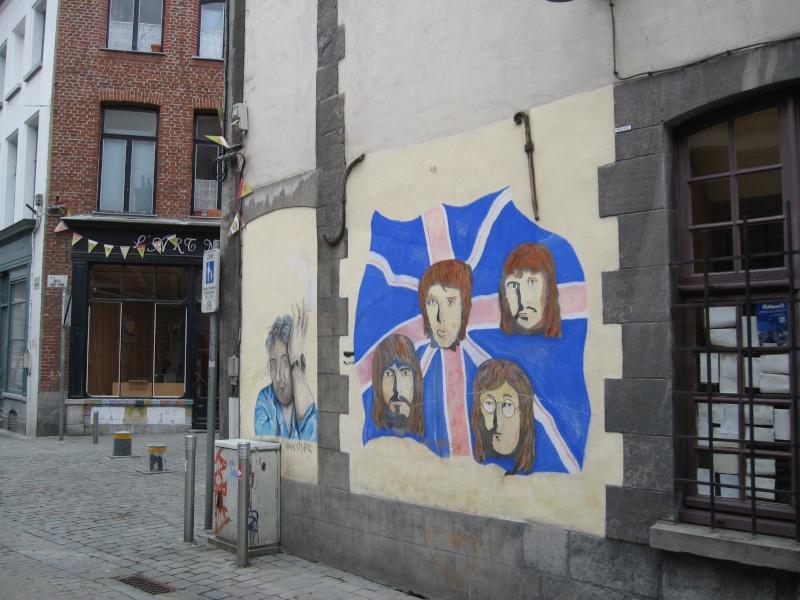 Mur peint rue du Pot d'Etain, Tournai, Belgique !! Img_0110