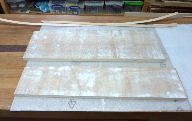 Simple étagère avec équerre en lamellé-collé cintrée - Page 2 0211
