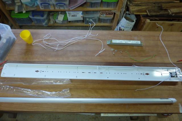 Recablage luminaires double neon pour mettre des tubes led 0316