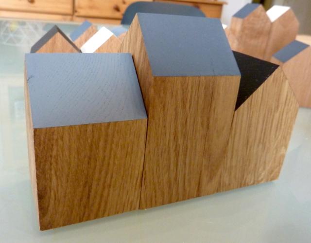 Des petites maisons et une horloge 03mais10