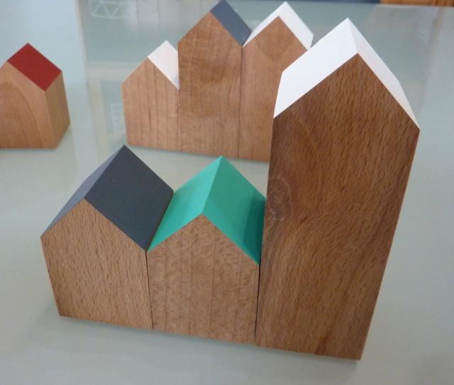 Des petites maisons et une horloge 04mais10