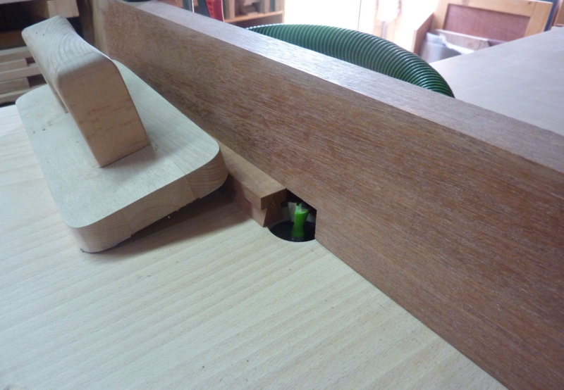 Une boîte à tiroirs en robinier et makoré 05lang10