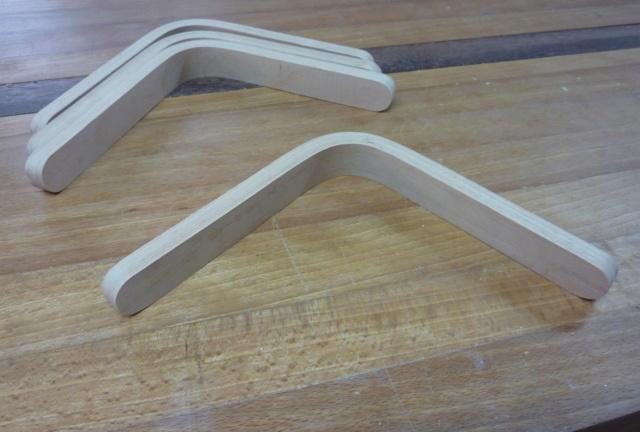 Simple étagère avec équerre en lamellé-collé cintrée - Page 2 07eque10