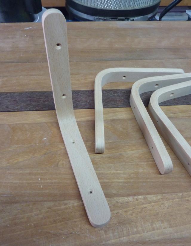 Simple étagère avec équerre en lamellé-collé cintrée - Page 2 09eque10