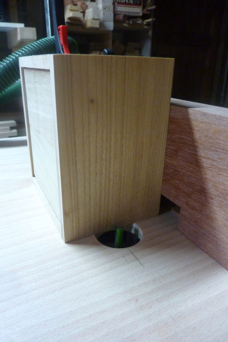 Une boîte à tiroirs en robinier et makoré 10rain10
