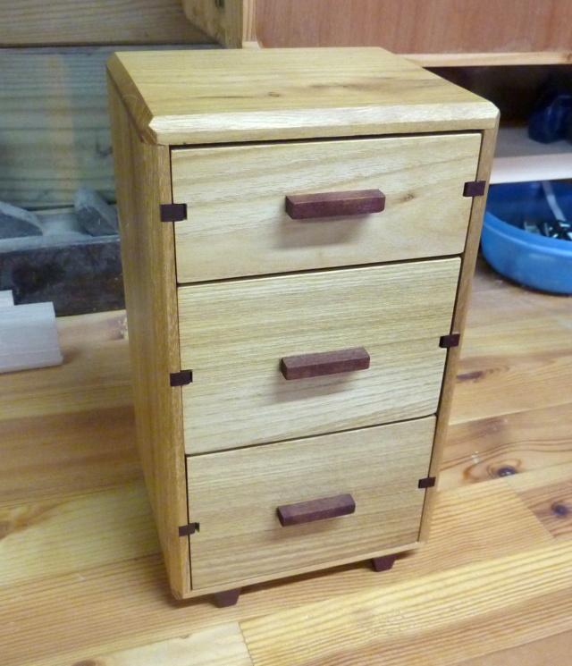 Une boîte à tiroirs en robinier et makoré 17bozy10